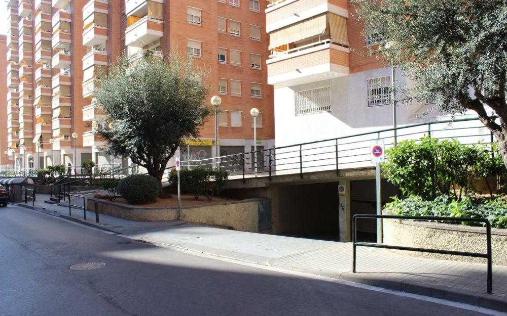 PLAZA DE PARKING EN VENTA EN PASSATGE RIU CONGOST DE BADALONA