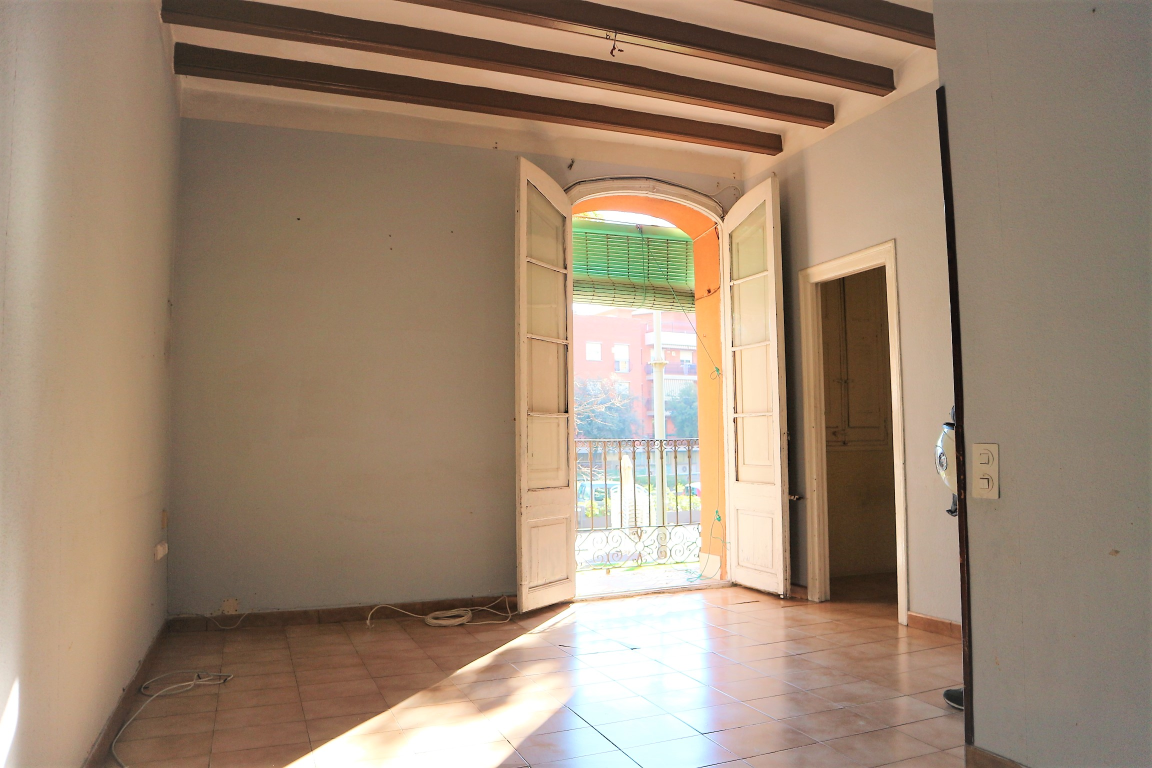 Acogedor piso en passeig de sant antoni de sants for Pisos en sants barcelona